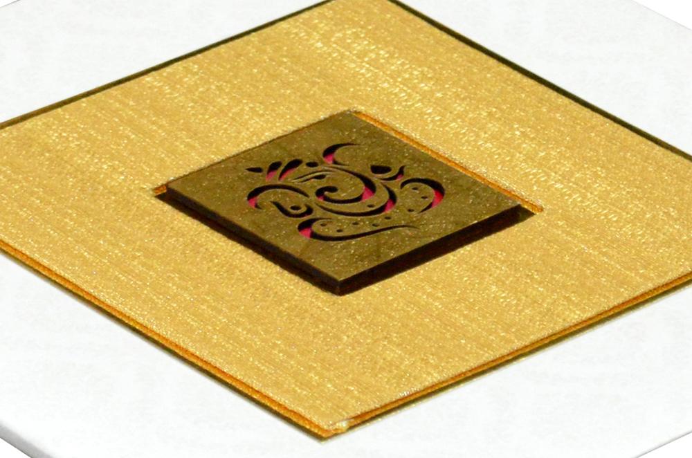 White Padded Wedding Card Design RR 953 b